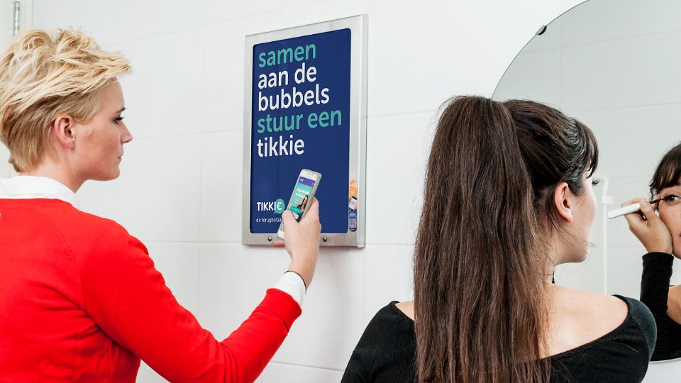 Altermedia ABN-AMRO Tikkie Toiletreclame WCreclame Toiletmedia Washroommedia