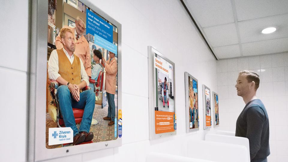 Altermedia Achmea Zilveren Kruis Toiletreclame WCreclame Toiletmedia Washroommedia
