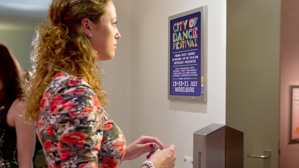 Altermedia City of dance festival Wcreclame Toiletmedia Washroom media