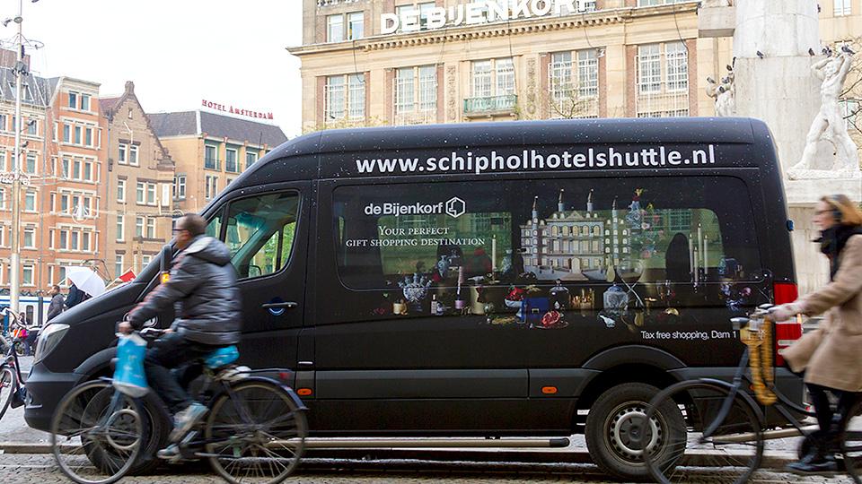 Altermedia De Bijenkorf Schiphol Hotel Shuttle Taxireclame