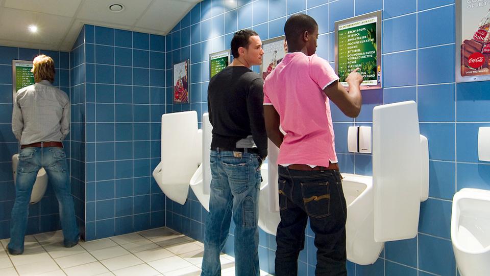 Altermedia  De Oosterpoort Toiletreclame Wcreclame Toiletmedia Washroom media