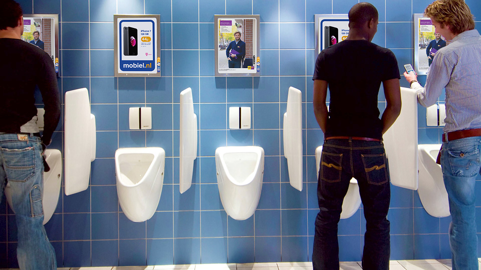 Altermedia Nuon Toiletreclame WCreclame Toiletmedia Washroom media