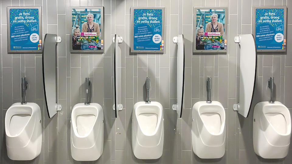 Altermedia Gemeente Hilversum WCreclame toiletmedia Washroom media