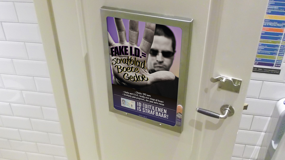 Altermedia Gemeente Leiden WCreclame toiletmedia Washroom media