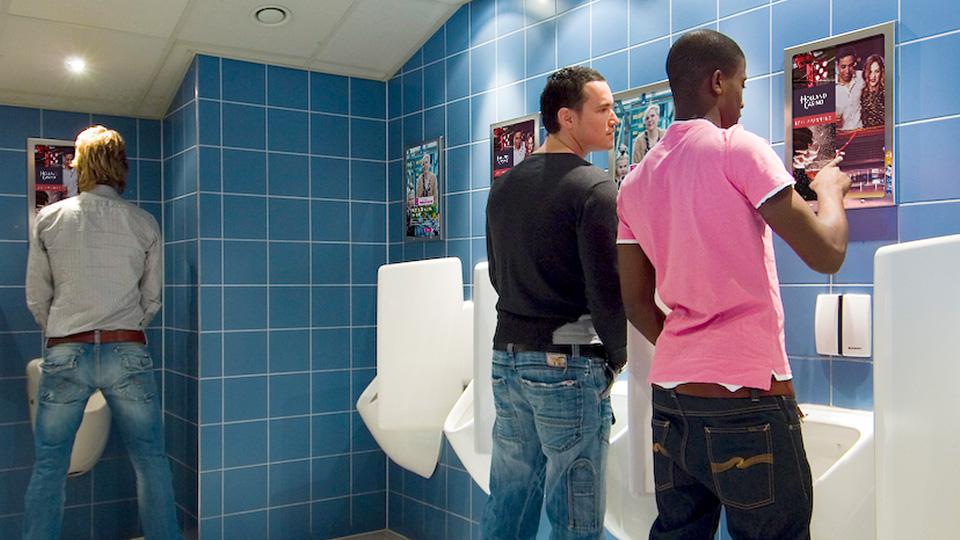 Altermedia Holland Casino Leeuwarden WCreclame Toiletmedia Washroom media