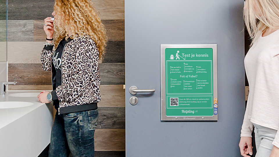 Altermedia Helpling Nederland WCreclame Toiletmedia Washroom media