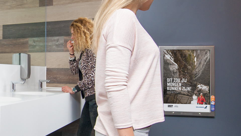 Altermedia IcelandAir Toiletreclame WCreclame Toiletmedia Washroom media