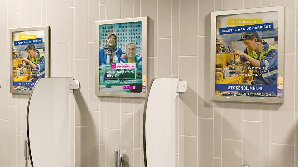 Altermedia MBI De Steenmeesters Toiletreclame WCreclame Toiletmedia Washroom media