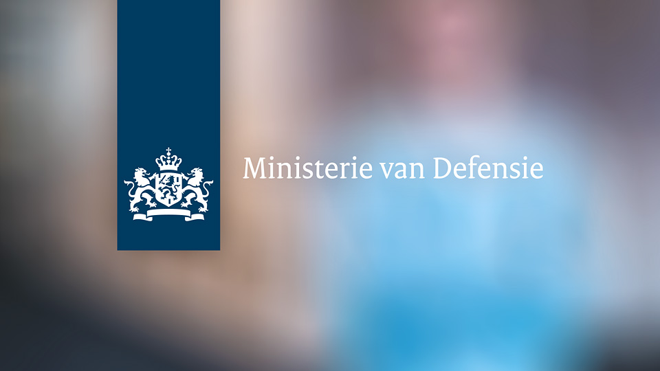 AltermediaMinisterie van Defensie Unbox je mee? Toiletreclame WCreclame Toiletmedia Washroom media